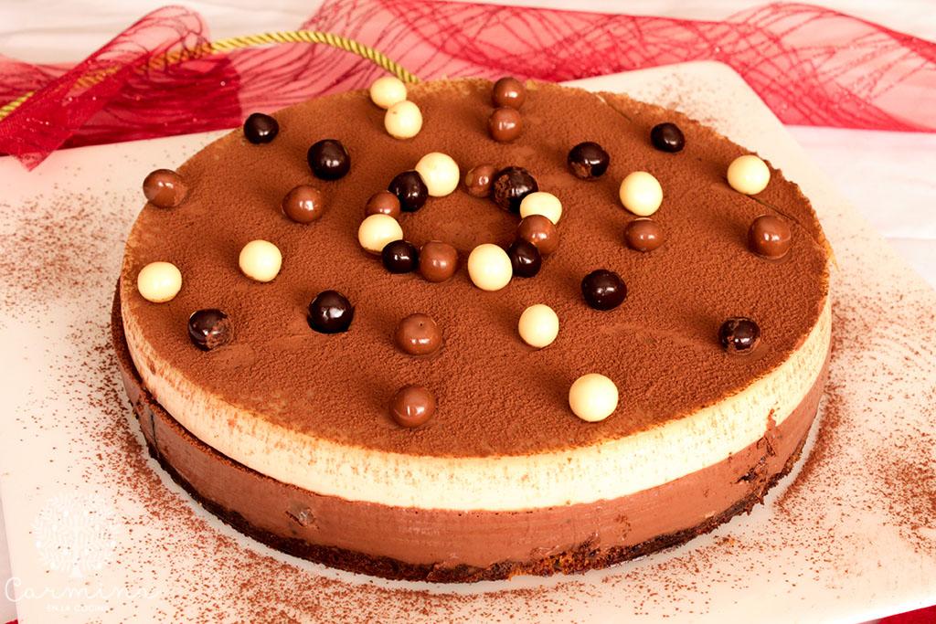 Tarta de chocolate y turrón para Navidad. Receta paso a paso
