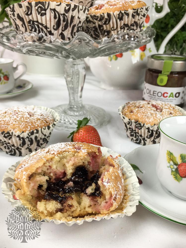 Muffins de fresas con aceite de oliva virgen extra y corazón de Oleocao
