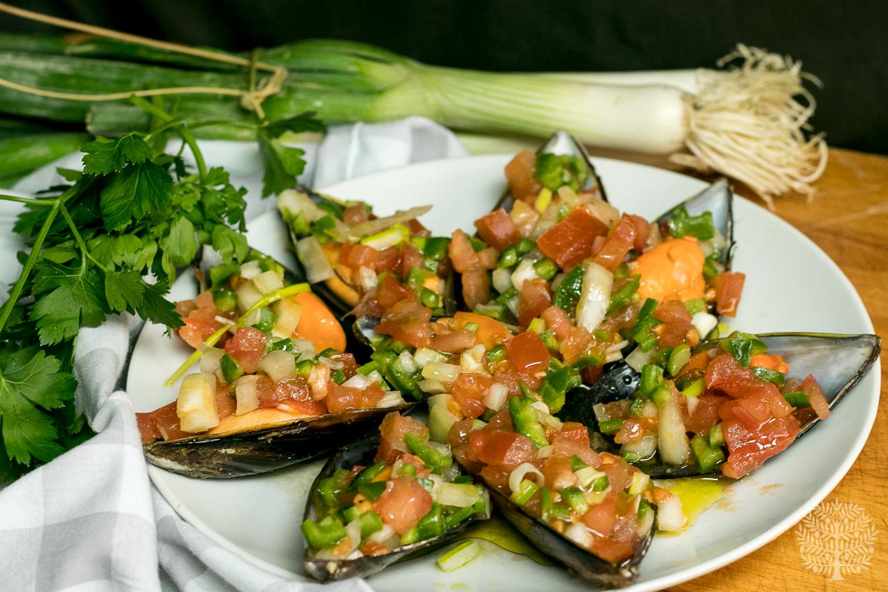 Mejillones con vinagreta de verduras